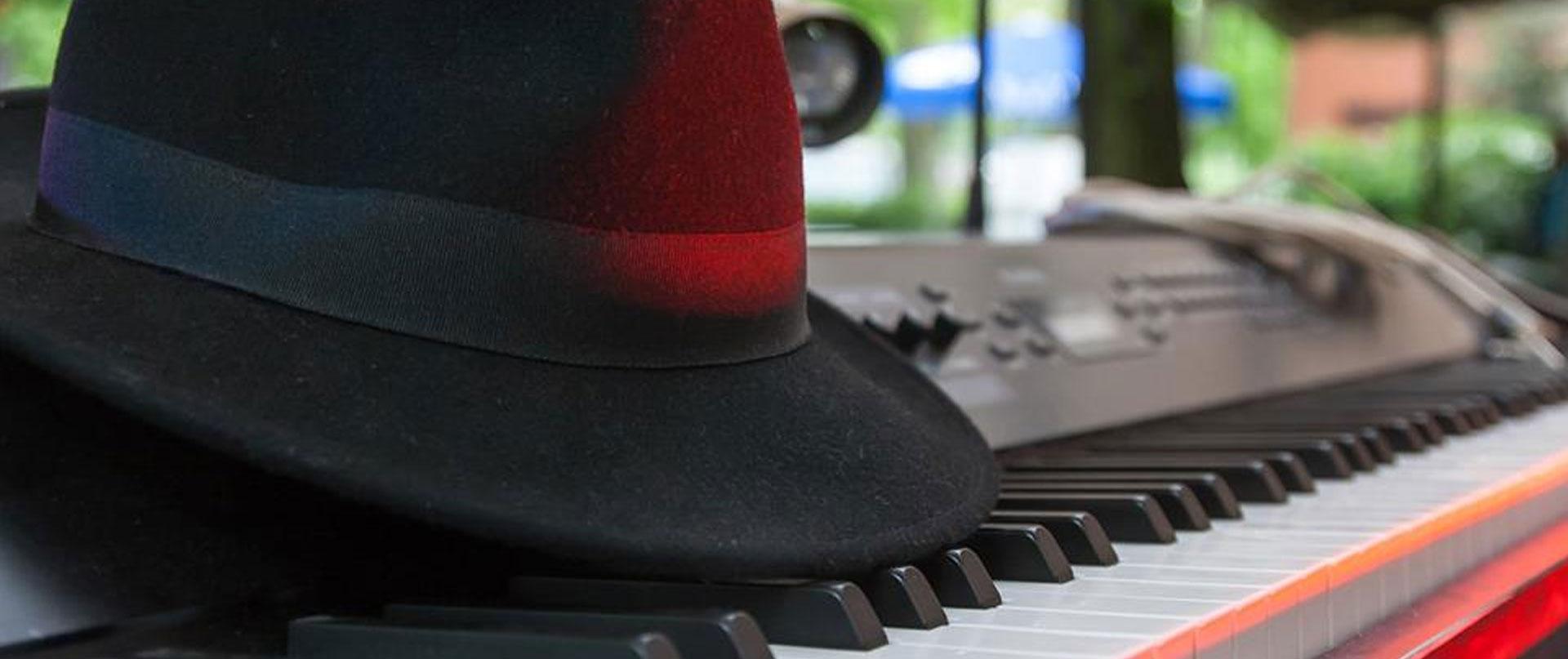 klavier-hut